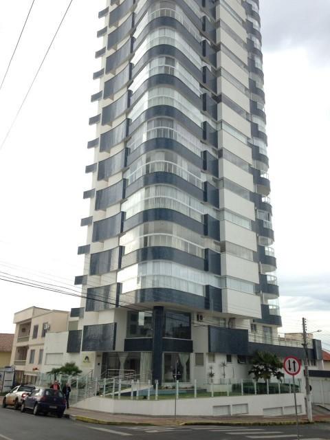 Apartamento 3 suítes, 2 vagas, Residencial Montblanc, Ref. 2329