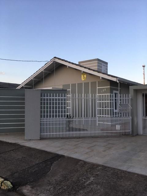 Casa 3 dormitórios(1 suíte) 4 vagas
