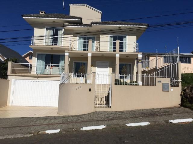 Casa 4 dormitórios (2 suítes com closet), Ref. 2590