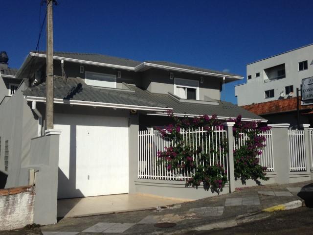 Casa - frente e fundos, Ref. 2775