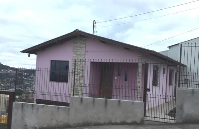 Casa 02 dormitórios (02 vagas de garagem) - Santo Antonio, Lages REF 2927
