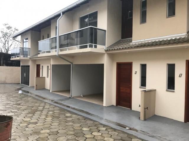 Sobrado Novo com 03 Dormitórios 1 vaga de garagem, Condomínio Aureo Freitas II