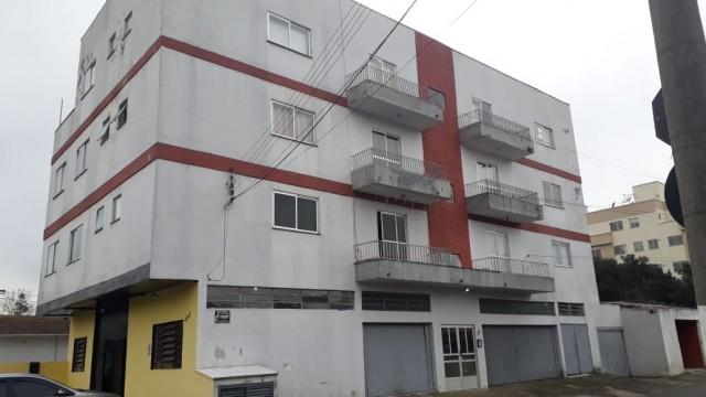 Apartamento amplo com 03 Dormitórios Sendo 01 Suíte - Edifício Ettiene