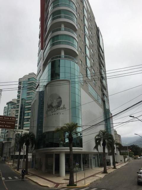 Apartamento Quadra Mar, 03 Suítes (1 Master) - Edifício Green Beach